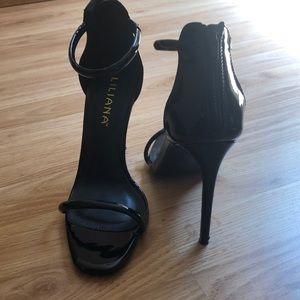 Black 4 1/2 in stilettos heels